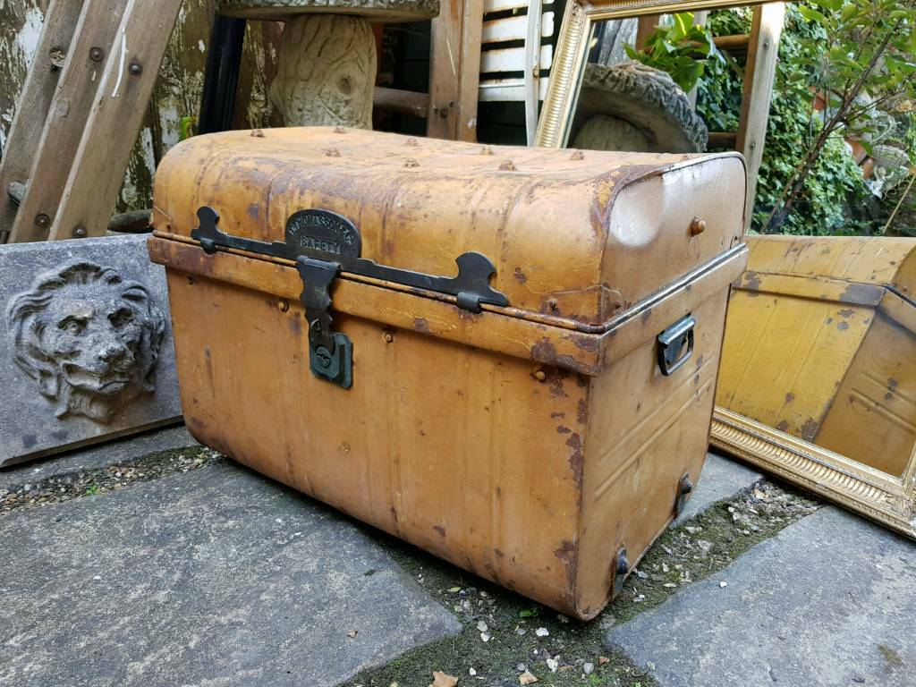 Victorian Shabby Travel Trunk Coffee Table Storage