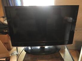 "Samsung LE32B450C4W TV 32"" with remote"