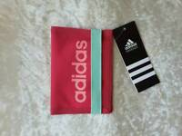 Adidas unisex linear essential wallet
