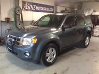 2011 Ford Escape XLT 4WD!