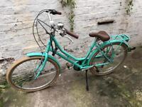 "Women's Compass Road/Hybrid Bike 18"""