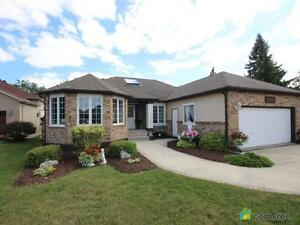 $425,000 - Bungalow for sale in Tecumseh