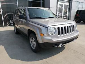 2016 Jeep Patriot Sport/North | Cloth | Bluetooth | CD Player