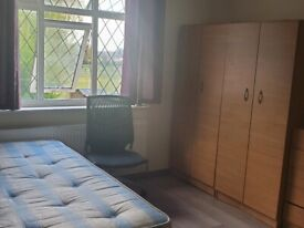 £550 Large Double Room in Harrow fully furnished and refurbished including all bills