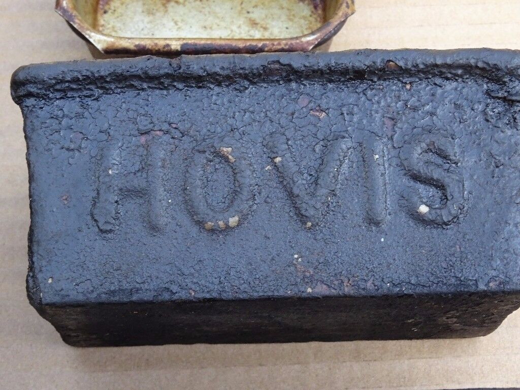 Rare 30 vintage HOVIS baking tins £5 each , have one or the lot for £100