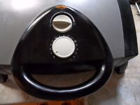 GEORGE FOREMAN Lean Mean Fat Grilling Machine - Model 12115 - 1400watt - Very Good Condition.