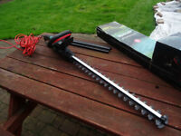 Qualcast 600W Electric Hedge Trimmer 240V