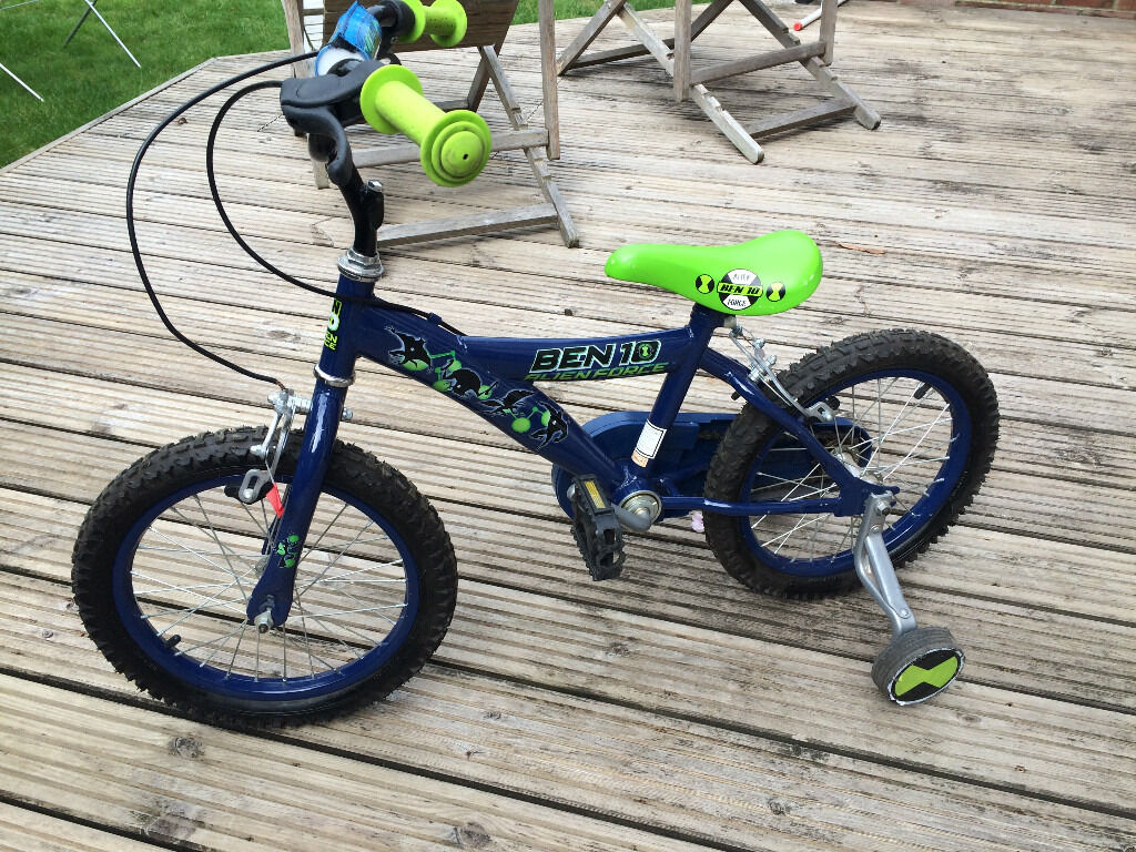 ABSOLUTE BARGAIN BEN TEN BIKE WITH STABILISERS AND ALL ACCESSORIES >>>>>