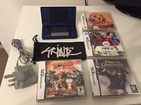 ☆☆ NAVY BLUE NINTENDO DSI ☆☆ with 4 GAMES