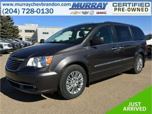 2016 Chrysler Town & Country FWD Stow-N-Go *Blu-ray Ent* *Nav* *