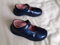 Girls navy start rite shoes size 5 1/2 F