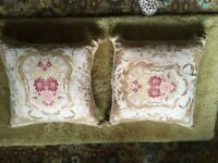 CUSHIONS - pair of gold/patern