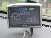 TomTom ONE XL with charger screen mount