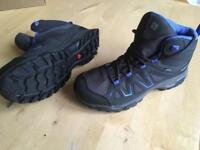 Women's size 7 walking boots
