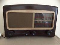 1947 Cossar Bakelite valve radio
