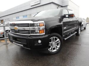 2016 Chevrolet SILVERADO 2500 HD 4WD CREW CAB HIGH COUNTRY DIESE