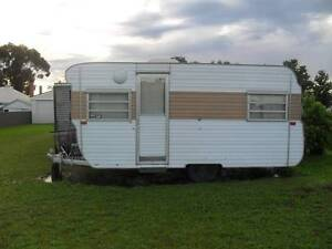 WANTED OLD CARAVANS WILL PAY CASH TO REMOVE NO JOB TOO HARD Narre Warren Casey Area Preview