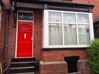 Room Available, 5 Bed House, Incredibly Close To Leeds University! £80pw All Bills Inc.