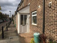 1 and half Bedroom flat located in Maida Vale in a Mews! Rent is including all bills.