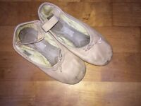 Ballet slippers-pink size 13C