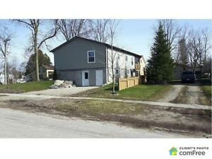 $299,000 - Raised Bungalow for sale in Minto
