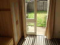 Large garden double room in Seven Sisters (suitable for cat owners)