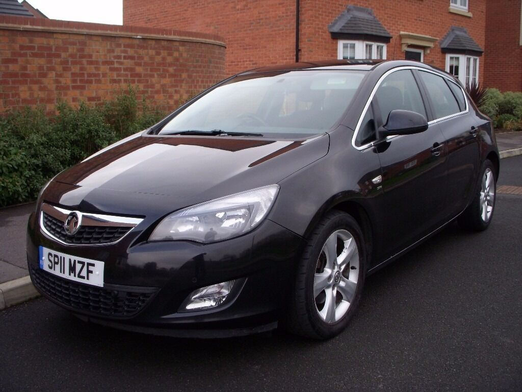 2011 11 vauxhall astra sri 1 7 cdti 108 black only 30 road tax for year front rear parking. Black Bedroom Furniture Sets. Home Design Ideas