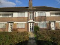 A 2 bed flat to rent in Warwick Court, Ossulton Way, East Finchley N2