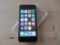 IPOD touch 5th Gen 32gb, mint condition, usb cable, charger, new apple headphones