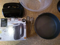 Hand mixer and Spring Form for *Baking*