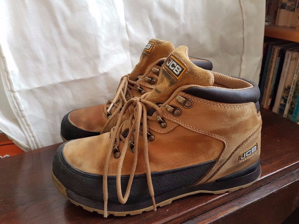 Womens JCB Safety Shoes, size 7 - USED