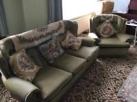 Sofa suite vintage