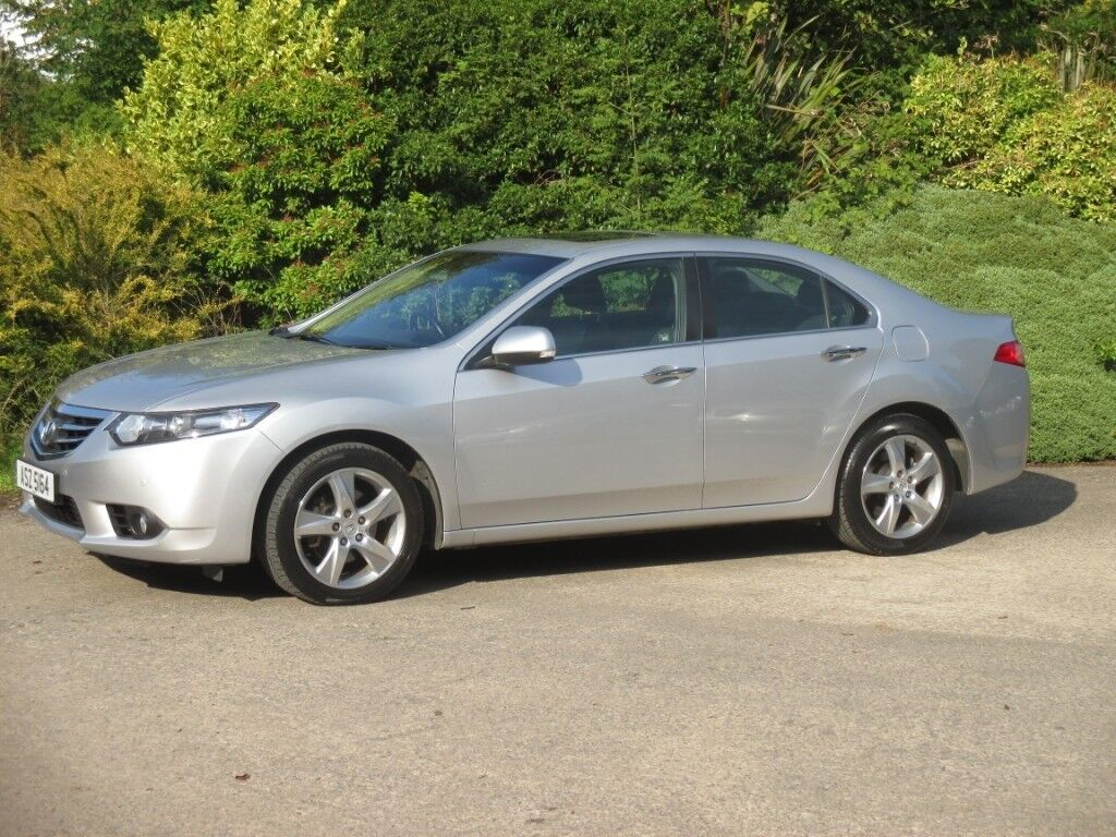 beautiful low mileage 2012 honda accord 2.2 d-tec auto.full service history