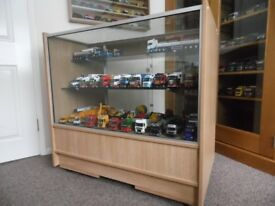 DISPLAY CABINET incl GLASS SHELVES