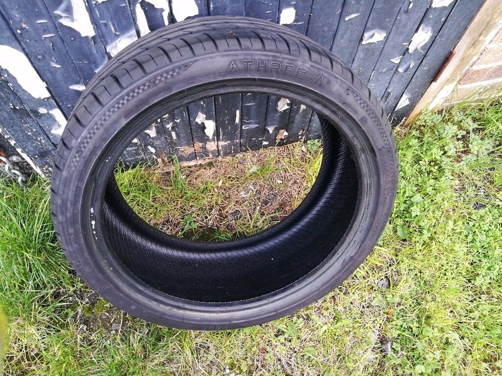Virtually new tyre. Please look at photos. Less than 40 days wear