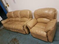 LIGHT BROWN LEATHER SUITE 3 SEATER ELECTRIC RECLINING SOFA & ELECTRIC RECLINER DELIVERY AVAILABLE