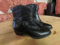 Clarks Black Leather Ankle Boots SIZE 6