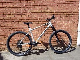"""Vitus Sentier VRX 2016 Hardtail MTB - 21"""" - Immaculate condition"""