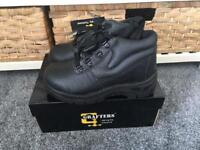 Steel toe cap boots size 4