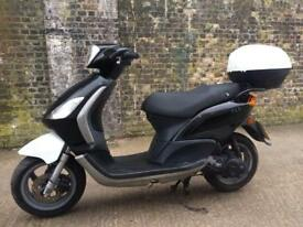 FULLY WORKING 2006 Piaggio fly 50cc learner legal scooter 2 stroke 50 cc moped with mot.