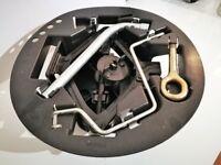 Car jack/wheel change kit