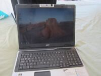 Acer Aspire 9423WSMI (9420 series) 17-inch screen Laptop - complete with charger. Win7 Pro installed