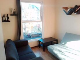 **3 BEDROOM FLAT**15 MINUTES TO SOHO**FINSBURY PARK**