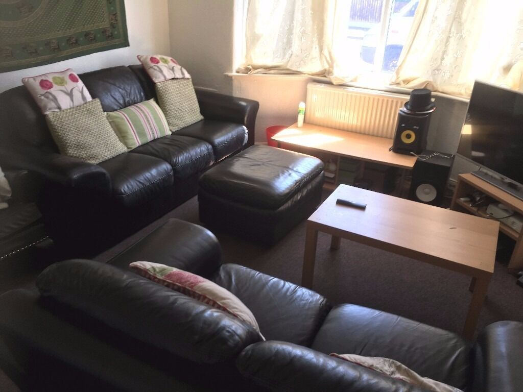1st July 17 - 3 DOUBLE Bed House Doncaster Ave Withington 3 x £281.66pcm No Fees, Half Summer Rents!