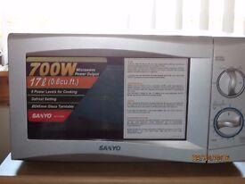 SANYO 700w microwave