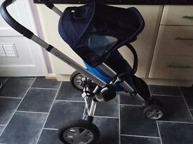 Quinny Buzz 3 good condition, handle doesn't work, some scratches on frame