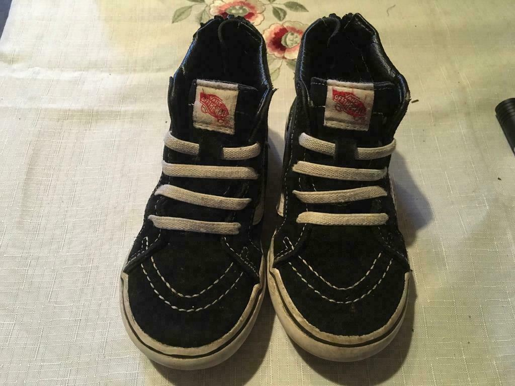 8f69c92c55cee3 Baby vans high top trainers size 8 used good condition £6