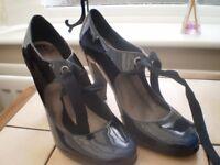 Ladis black heeled shoes