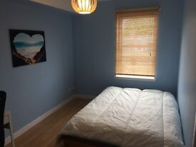 Double Room in City Centre Penthouse flat