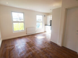 A Good sized 1 bed flat located on a residential tree lined street close to Goldhawk Station